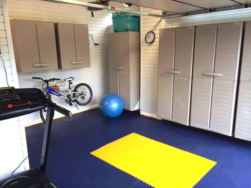 Dark Blue and Yellow Tiles create a stunning garage floor